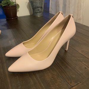 Michael Kors Shoes - Dorothy Flex Leather Pump